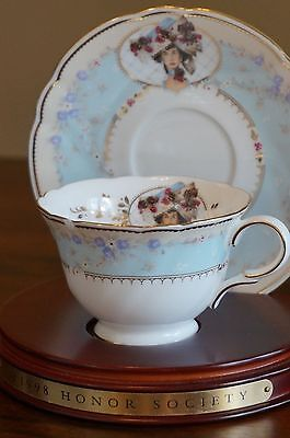 Vintage 1998 Avon Mrs P.F.E. Albee Commemorative Teacup and Saucer