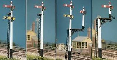 Ratio 466 GWR Square Post Signals (4 Signals inc. Junction/Brackets) (OO kit)