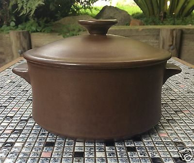 TEMUKA Pottery Made in New Zealand Brown stoneware CASSEROLE Pot 2 Litre