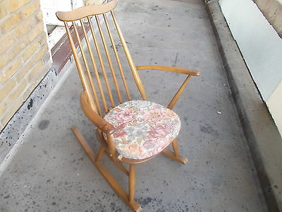 Ercol Windsor Range Goldsmith Rocking Chair No.435 ( IN GOOD SOLID CONDITION )