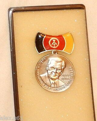 - DDR Medaille