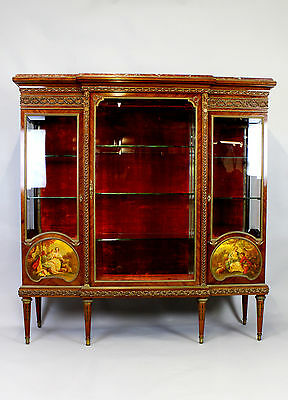 A Fine & Exceptional Quality French Vernis Martin Cabinet Attributed To F.linke