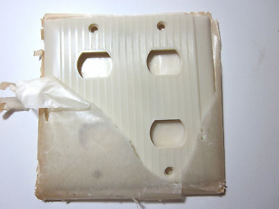 Vintage Uniline Ribbed Bakelite Ivory Despard 2 Gang 4 Switches Plate Cover Deco