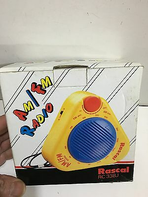 VINTAGE NOVELTY RADIO RASCAL WITH ORIGINAL BOX  FM -AM-MW 1980s