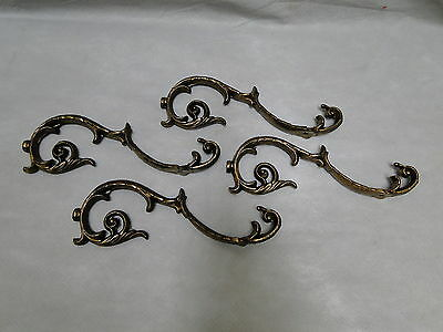 Set of 4 Matching White Metal Brackets S-Shaped