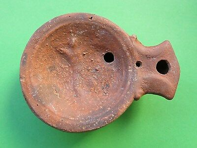 88. Roman Clay Oil Lamp !!!  9 cm  !!!      Interesting