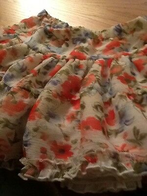 girls age 10/11 new look pretty floral skirt