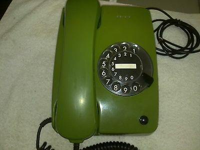 Vintage rotary dial telephone SIEMENS(GREEN)