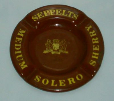 Seppelts Medium Solero Sherry enamel cigarette ashtray for home bar or collector