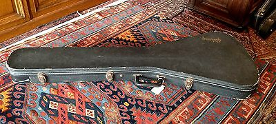 Vintage 1980's Gibson Flying V case. Good condition.