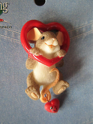 Charming Tails Leaf and Acorn Club 2010 Event Heart Lapel Pin 4017678 nEW