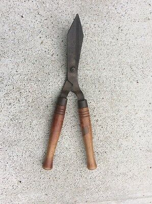 Vintage Hedge Trimmers, Garden Tools, Metal Tool Wooden Handel