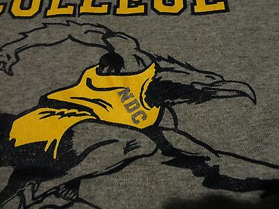 NOTRE DAME College Track Field Team FALCON Mascot T Shirt FREE Shipping sz Large