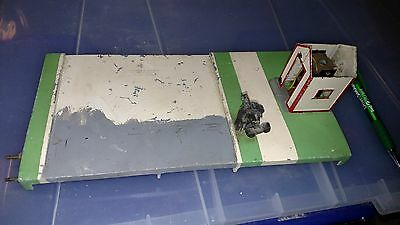 Flyer 591 CROSSING GATE w WATCHMAN SHACK Missing parts 2 Terminal NO TESTED a