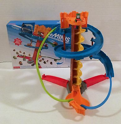 Thomas and Friends Minis Twist-N-Turn Stunt Set with Percy