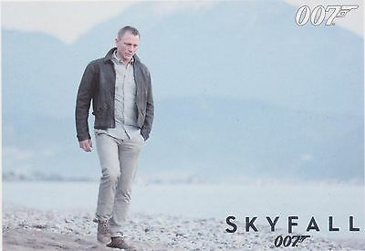 james bond skyfall SILVER parallel no 22 autographs and relics
