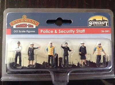 Scenecraft By Bachmann. 36-041. Police And Security Staff. OO Gauge.