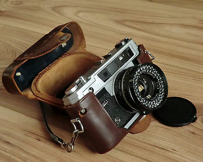 Vintage Light O Matic III Beauty  rangefinder 35mm film camera with case.