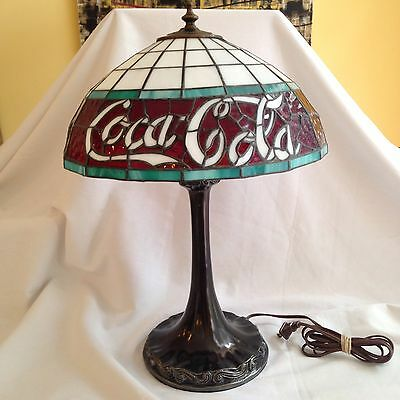 """20"""" COCA-COLA ACCENT LAMP Red White Bronze Stained Tiffany Round Table Coke"""