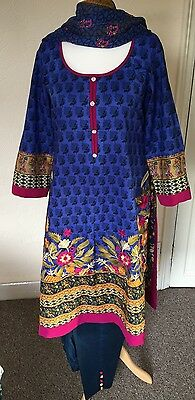 Original Khaadi Cambric Stitched Suit Medium To Large