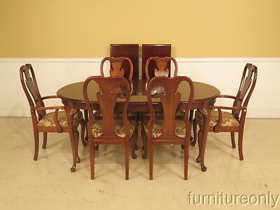 F38723/24: THOMASVILLE Cherry Dining Room Table & Chairs Set