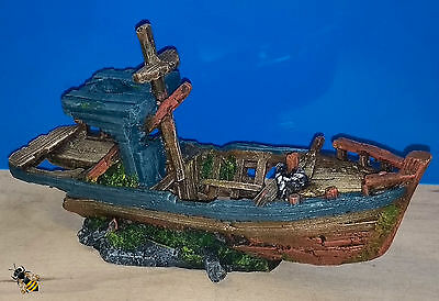 Aquarium Ornament Fishing Boat Wreck Decoration Fish Bowl Tank Goldfish New