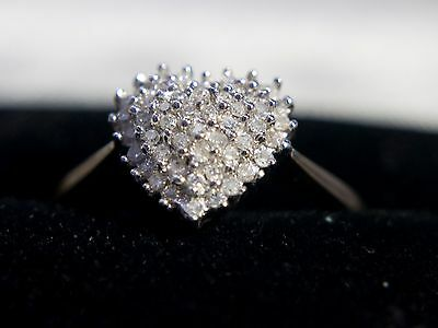 9CT Solid Yellow Gold 25pt 1/4 ct Diamond Set Heart Cluster Ring UK Size:O
