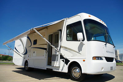 2005 Four Winds Hurricane 34N 34.5' Motorhome, Only 29k Miles, 3-Slides!
