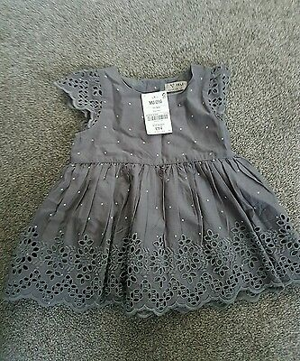☆☆ ВNWT NEXT Girls Tunic Top Grey Embroidered Blouse with stars 18-24 Months ☆☆☆
