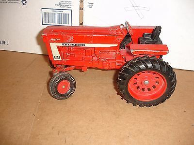 1/16 international 966  toy tractor