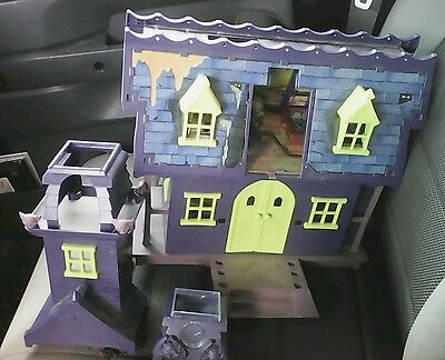 Scooby Doo Hanna Barbera Haunted Mansion Playset House w/Shaggy Fred Daphne