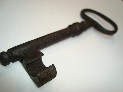 VINTAGE ORIGINAL CASTLE CHURCH BANK DOOR WROUGHT IRON KEY18th Century