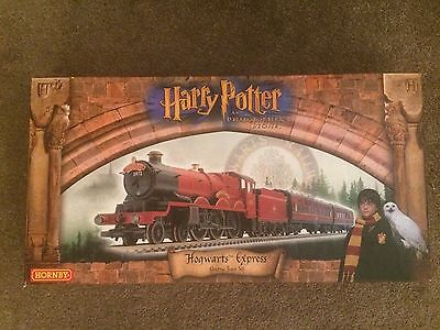 R1025 Hornby Harry Potter and The Philosopher's Stone New electric train set