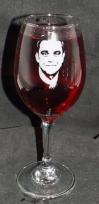 """New """"Robbie Williams"""" Etched Wine Glass - Can be personalised & gift boxed  WM21"""