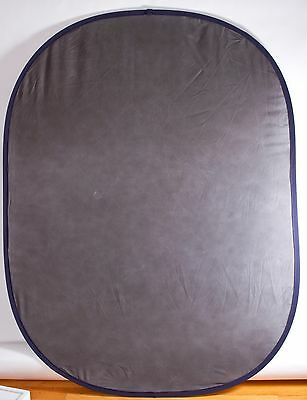 Botero Backgrounds 023 5x7' Collapsible Reversible Background Med. Lighter Gray