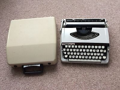 portable brother deluxe 900 typewriter