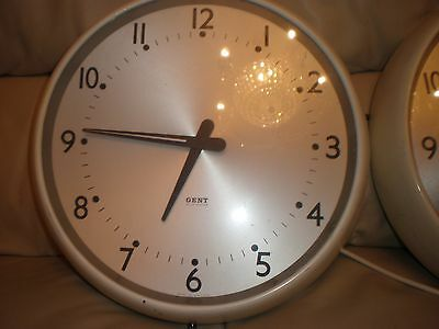 "GENTS large Bakelite  wall clocks,14"" dia.Mains electric, in V.G.C..2 for sale."
