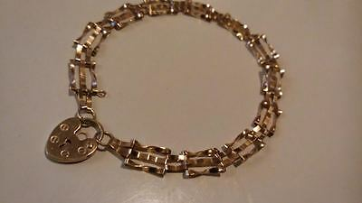 Stunning 9ct 375 Yellow Gold  THREE Bar Gate Bracelet Excellent Condition**