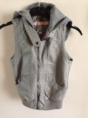 New Look - Grey Faux Leather Gillette/Body warmer Age 9 years