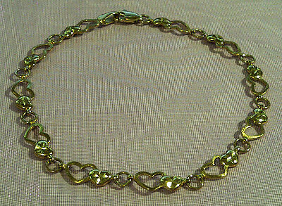9ct Yellow Gold Hearts Bracelet – As New Condition