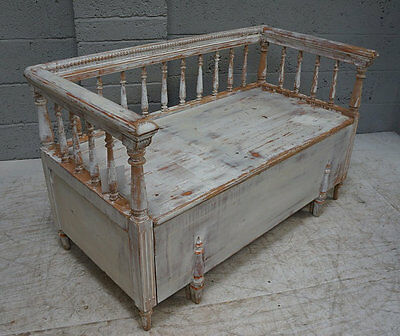 Provincial Gustavian Painted Pine Bench