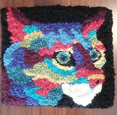 """Rug Hooking Pattern SMALL CRAZY COLOUR CAT on Red Dot Fabric 11.5"""" X 12.5"""""""