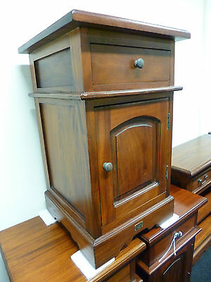 New Solid Mahogany 1 Drawer Bedside Chest Cabinet Cupboard *Branded Furniture*