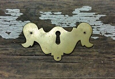 VTG Antique Cast Brass CHIPPENDALE Keyhole Cover Backplate Drawer Desk Jewelry