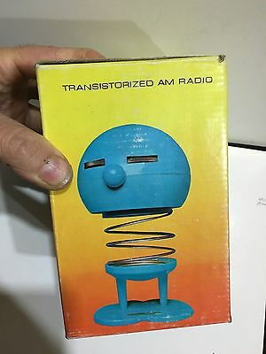 VINTAGE NOVELTY BOUNCY RADIO AM(MW)- BAND FROM THE 1970s- WITH BOX