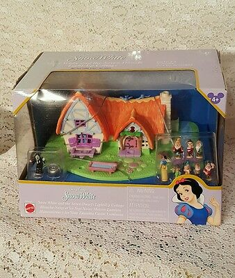 Polly Pocket Disney Store Snow White Doll & the 7 Dwarfs - Light Up Cottage