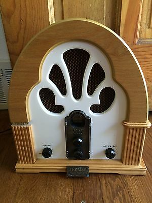 Thomas AM/FM Cassette Collectors Edition Cathedral Replica 1932-FH White WORKS
