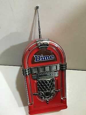 VINTAGE NOVELTY DIME JUKE BOX RADIO FM BAND FROM THE 1970s-