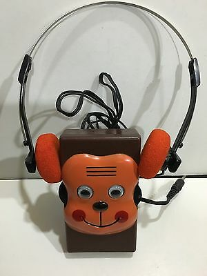 VINTAGE NOVELTY MONKEY WALKIE RADIO AM(MW)-BAND FROM THE 1970s-IN MINT CONDITION