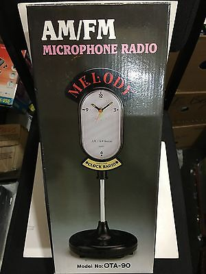 VINTAGE NOVELTY 1940s STYLE MICROPHONE & CLOCK RADIO AM(MW)-FM 1970s-1980s